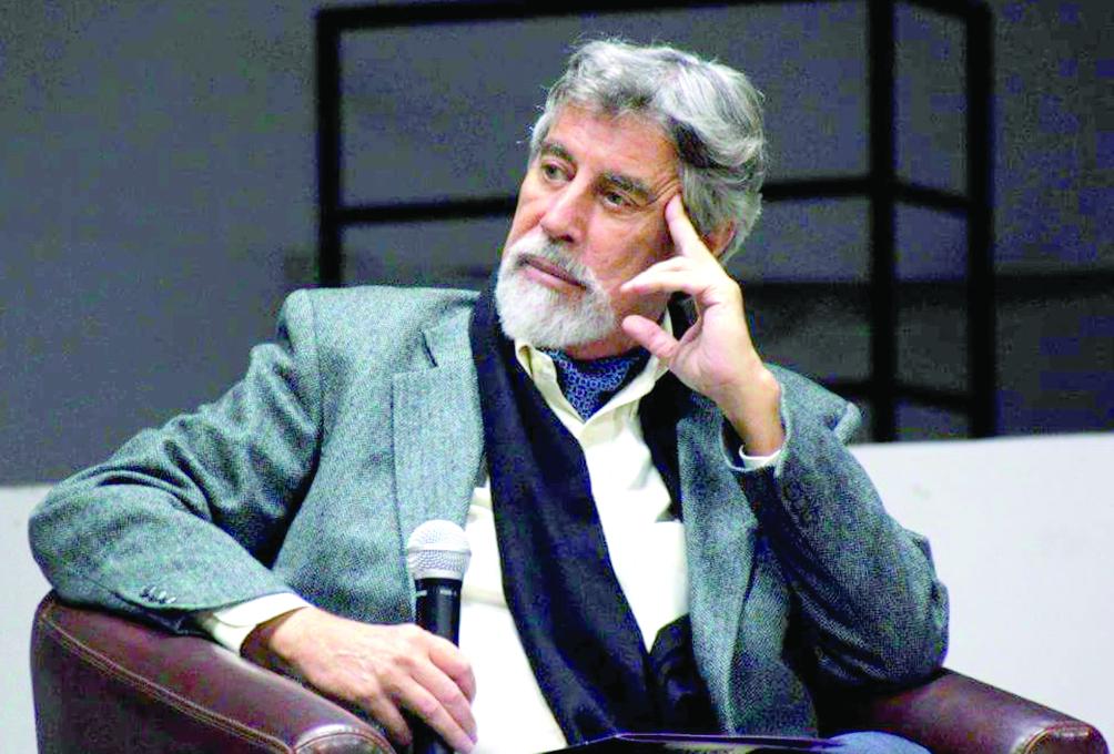 Francisco Sagasti, candidato del Partido Morado, pidió un autrógrafo al cabecilla del MRTA, Néstor Serpa Cartolini, que tomó la residencia del embajador japonés.