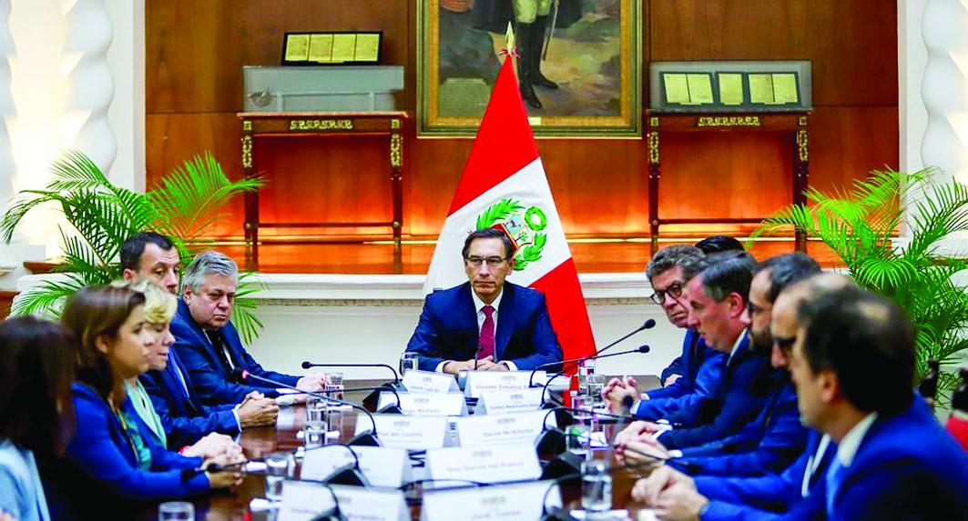 Vizcarra se reunió con supervisores de UE elecciones 2020