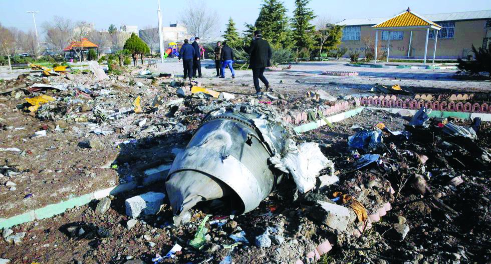 Dudas sobre causa de caída de avión que dejó 176 fallecidos