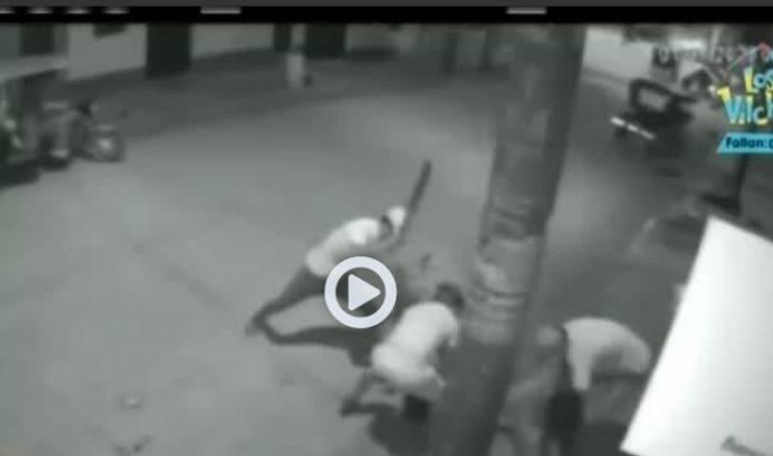 Delincuentes asaltan con machete a pareja de enamorados