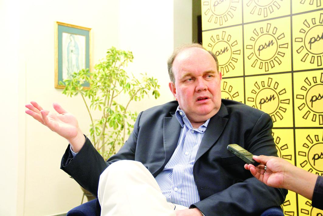 Rafael López Aliaga dijo que Julio Guzmán quiere apropiarse de un caudal electoral para que voten con el cuento del mal menor.