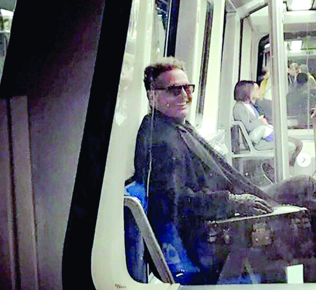 Luis Miguel es captado en el metro de Madrid