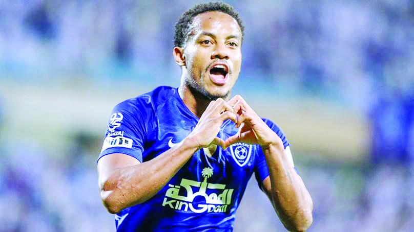 André Carrillo anotó gol de cabeza para el Al Hilal