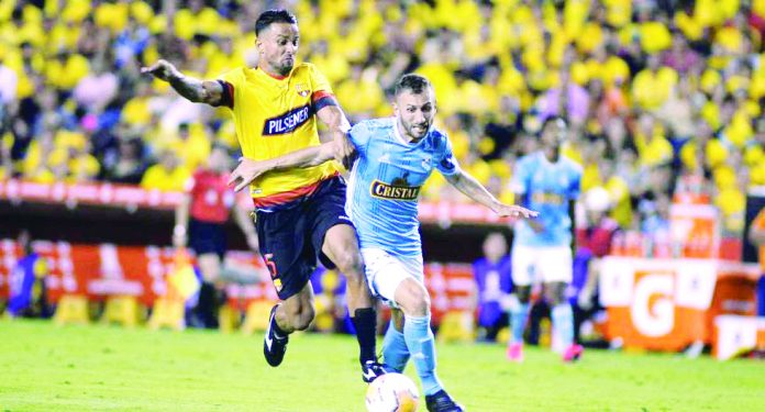 Cristal va por el milagro en el Estadio Nacional