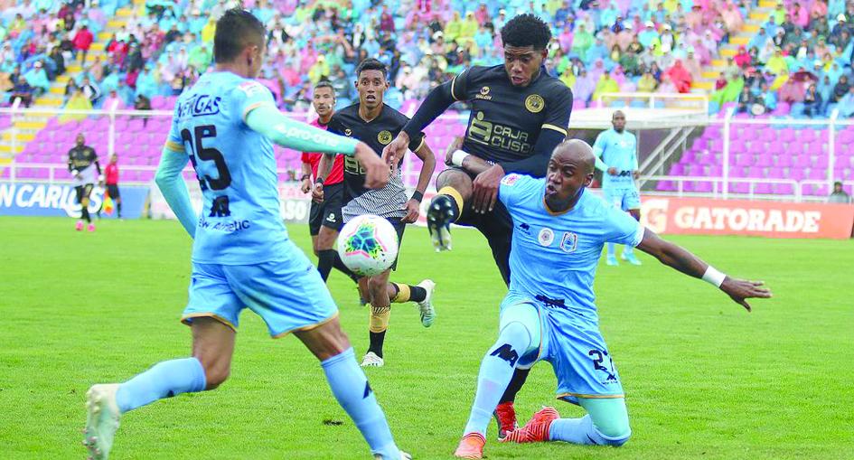 Binacional gana 2-0 a Cusco FC en su debut de la Liga 1