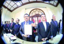 Manuel Merino considera que se deben atender las iniciativas legislativas pendientes e importantes para el país.