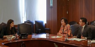 Ministra de Economía y Finanzas, María Antonieta Alva, se reunió con presidenta del TC, Marianella Ledesma.