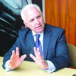 Luis Solari de la Fuente, en entrevista con LA RAZÓN calificó de acertada la medida del Gobierno de suspender los vuelos