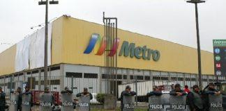 Trabajadores de las tiendas de Aramburú y Plaza Lima Sur dieron positivo en prueba de coronavirus.