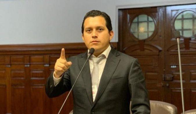 """""""Dinero de AFP's servirá para que peruanos paguen su tratamiento por el COVID 19"""""""