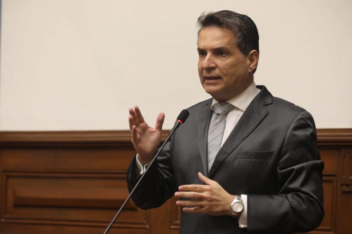 Comisión de Constitución invitará a líderes de partidos políticos
