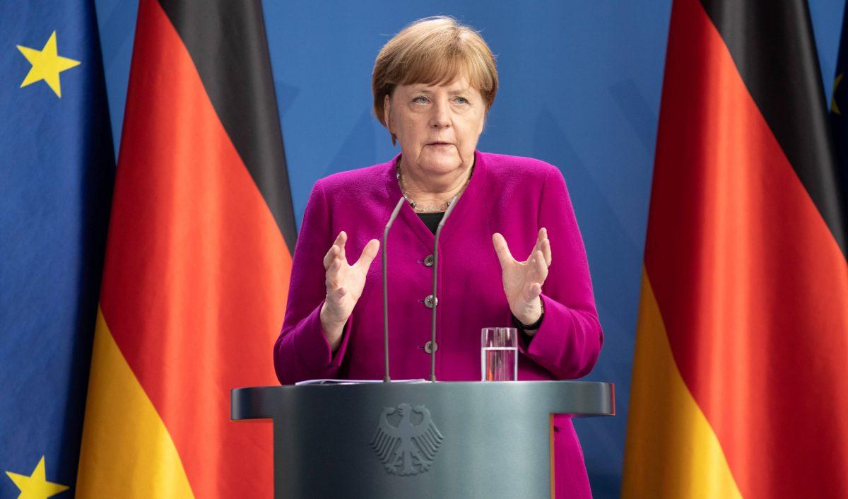 """Angela Merkel condenó el """"asesinato racista"""" de George Floyd en los EE.UU."""