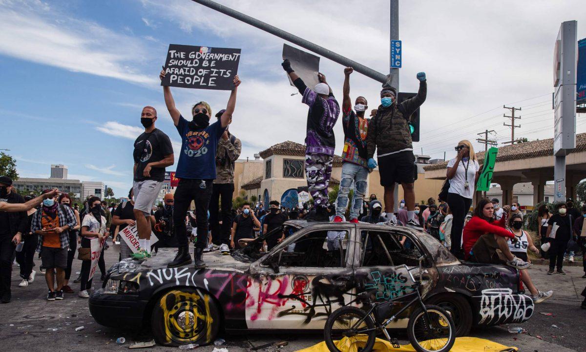 Muere otro estadounidense a balazos y detienen a 9,300 manifestantes