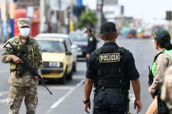 El regreso de la policía y militares a las calles.