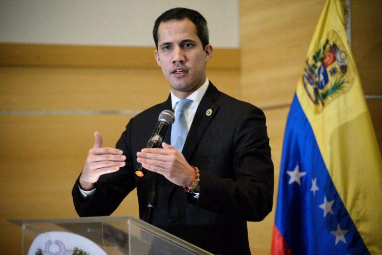 Ordenan arresto de 'funcionarios' de Guaidó por traición a Venezuela