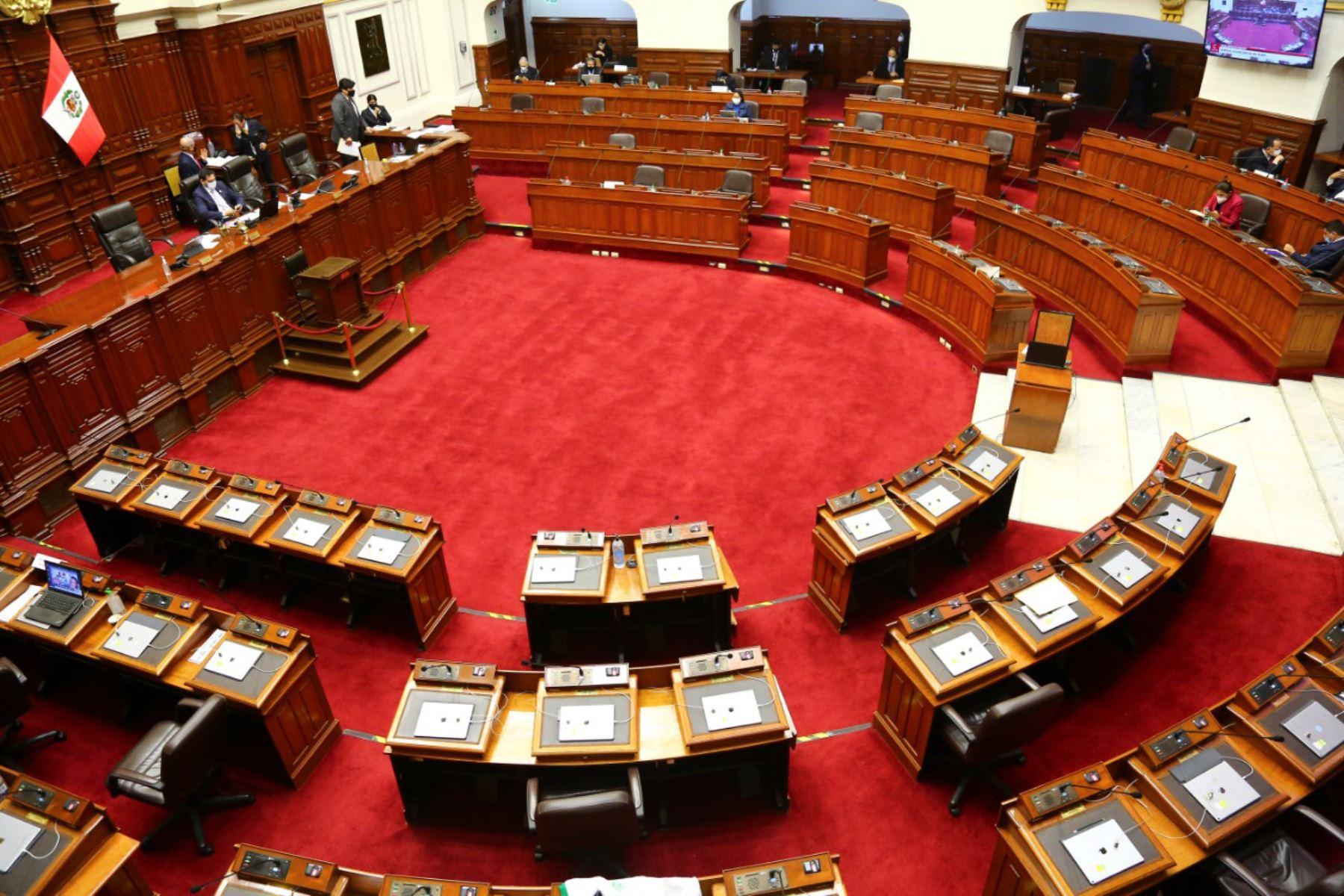 Vizcarra: Congreso rechaza moción de vacancia al presidente