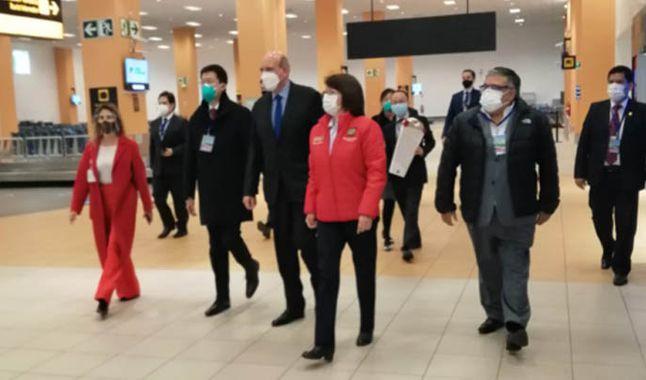 Delegación china llega a Perú