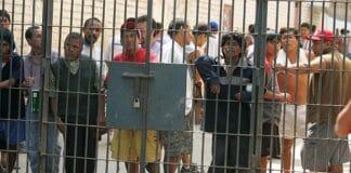 presos reciben bono