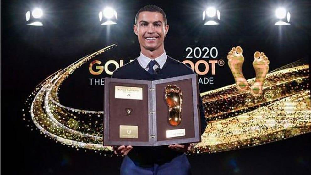 Cristiano Ronaldo recibió el Golden Foot