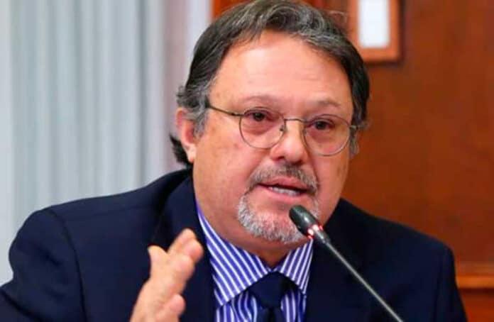 Carlos Mesía