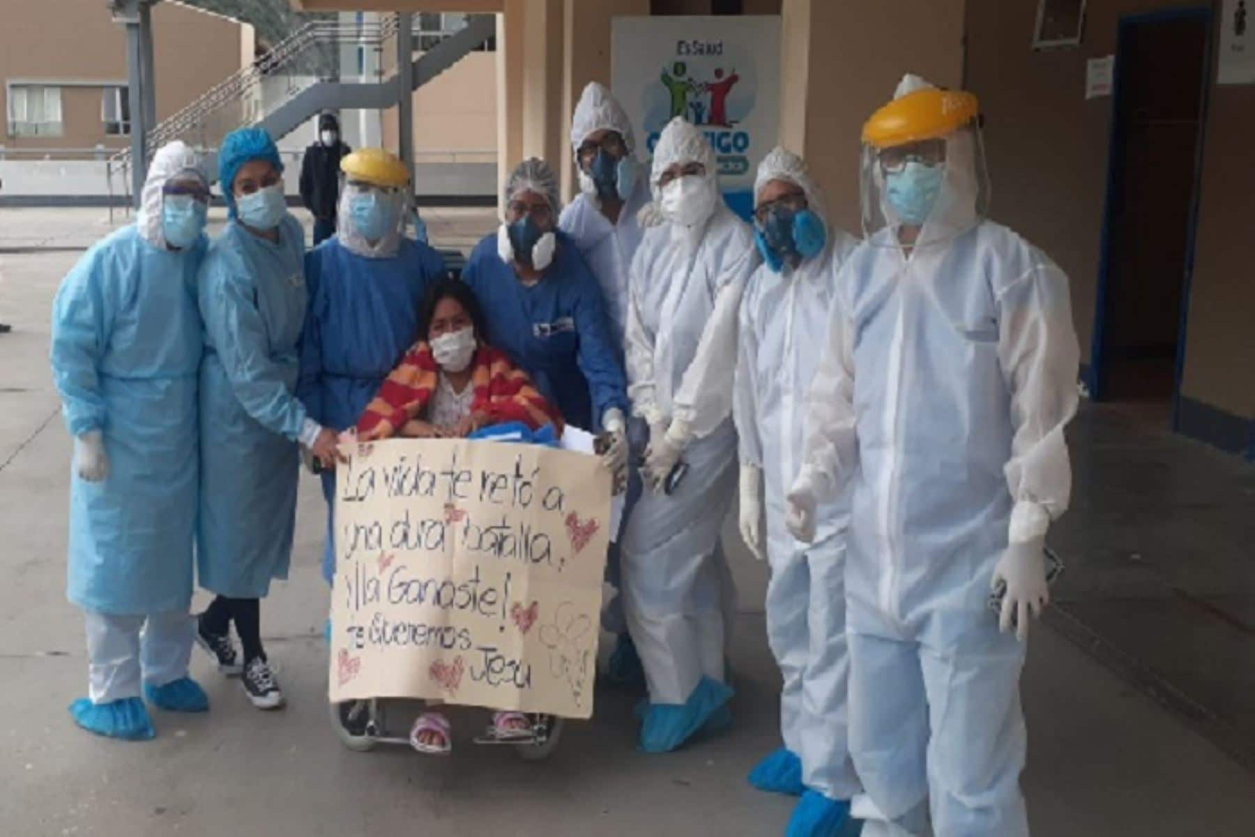 Apurímac: Mujer tras ser internada casi un mes en el hospital vence el coronavirus