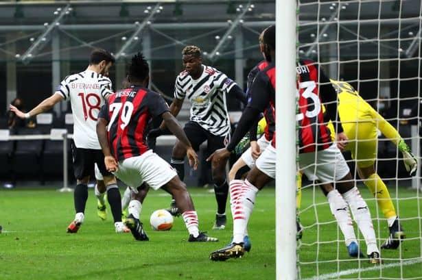 Pogba clasificó al United en Milán