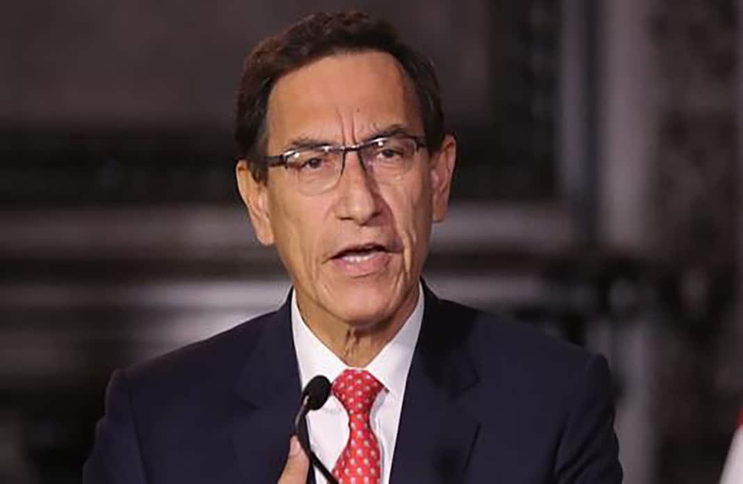Aprueban informe que plantea inhabilitar a Martín Vizcarra por 10 años