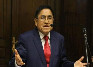 César Hinostroza