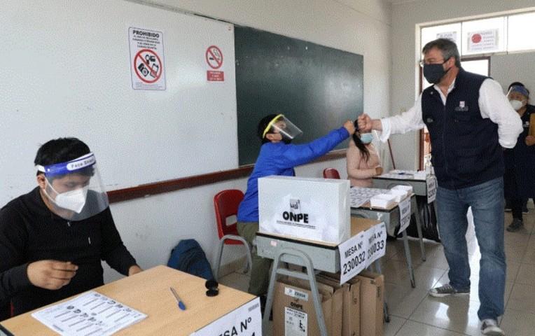 ONPE: Ofrecen a jóvenes ser miembros de mesa voluntarios