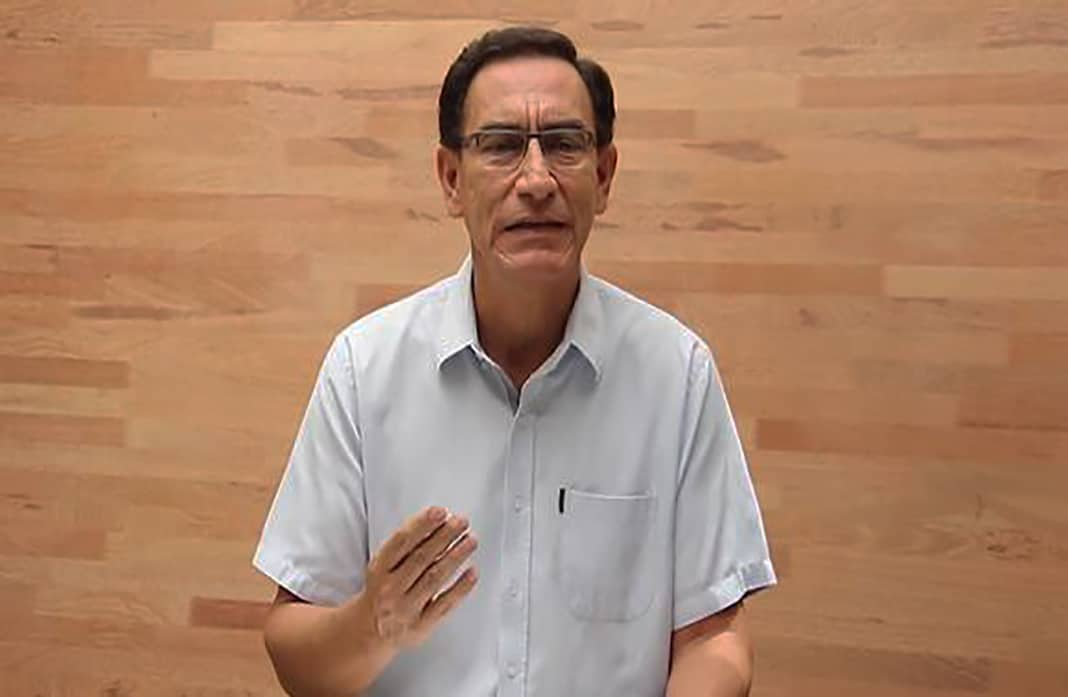 """Martín Vizcarra acusó al Congreso de cometer el delito de """"abuso de autoridad"""""""