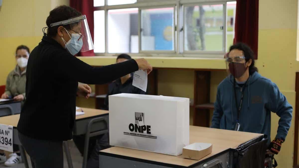 ONPE: Se instaló el 100% de mesas de sufragio