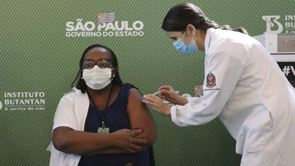 Brasil aplicará tercera dosis de la vacuna contra el coronavirus