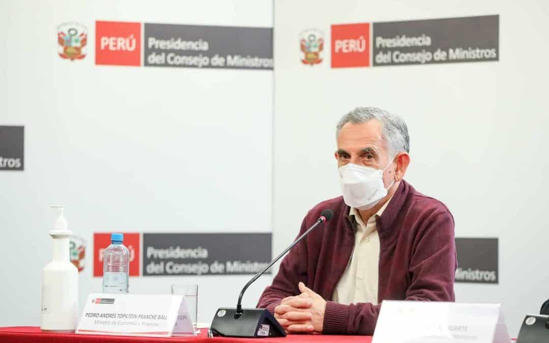 Pedro Francke: El Gobierno está separado del partido