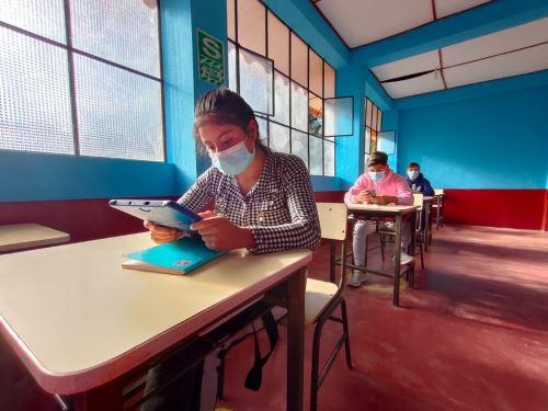 2690 estudiantes de La Libertad regresaron a sus colegios