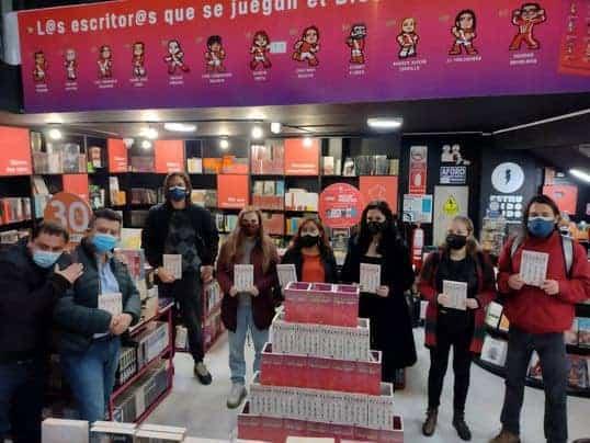 """Escritor Sumalavia presenta: """"Selección peruana de cuentos 2015-2021"""""""
