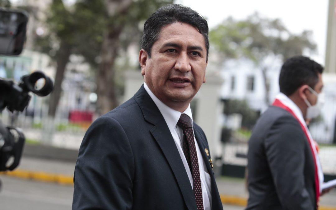"""Cerrón va por Fujimori: dice que su caso """"debe entrar en evaluación"""""""