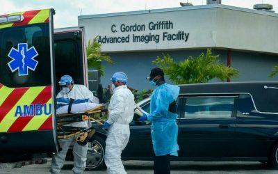 Añaden espacio para muertos en hospitales de Florida