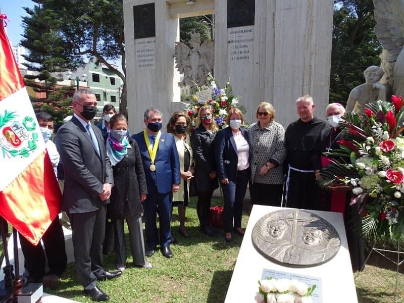 Inauguran monumento a beatos polacos asesinados por Sendero Luminoso
