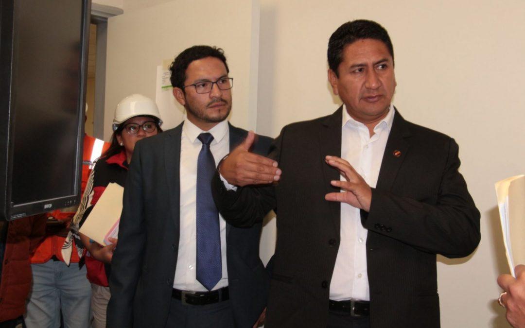 Comunistas y caviares se enfrentan por control del gobierno de Castillo
