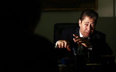 Piden investigar presunto plagio de Espinosa Saldaña