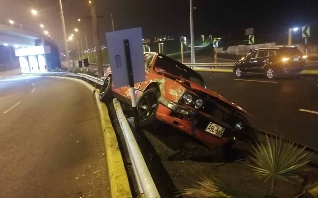 Costa Verde: Pareja casi muere en un aparatoso accidente de tránsito