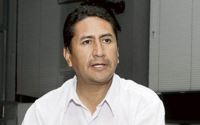 Cerrón inicia ofensiva contra  ministros afines a Pedro Castillo