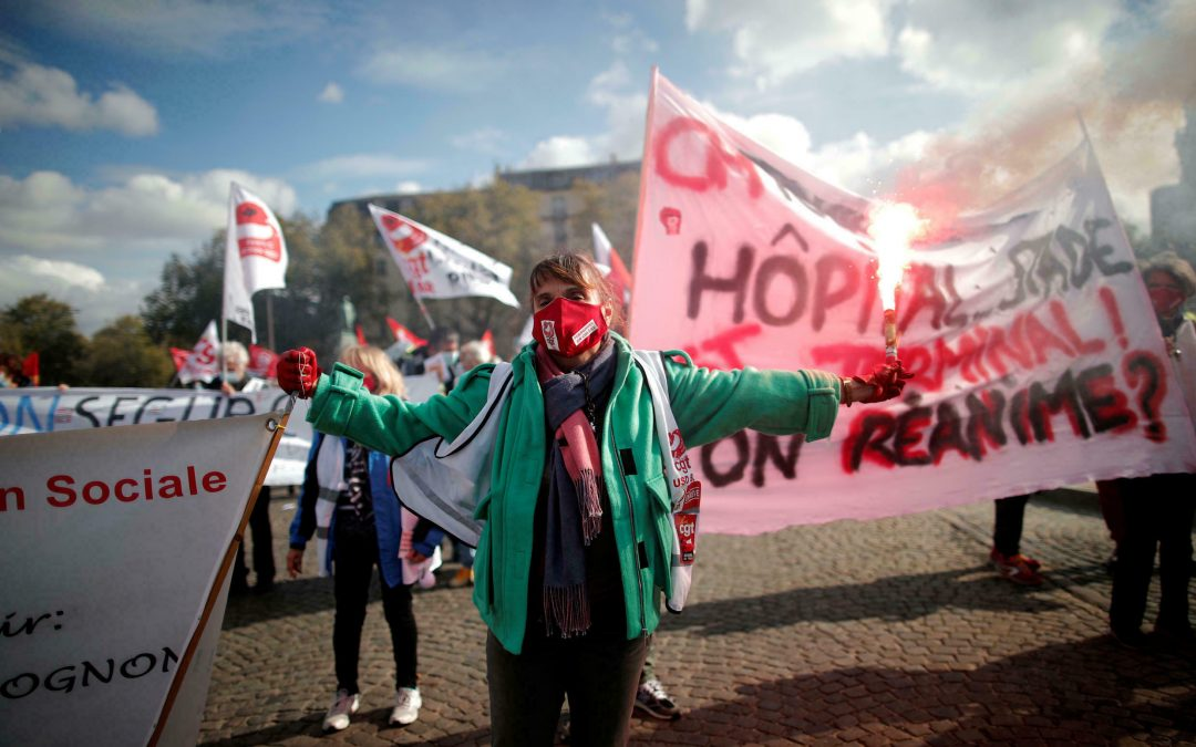 Francia: Trabajadores de sanidad estarán obligados a vacunarse contra la COVID-19
