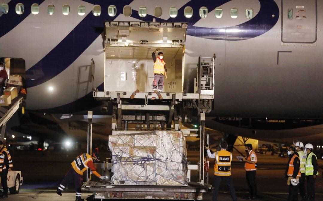 COVID-19: Un nuevo lote de la vacuna Pfizer llegó al Perú