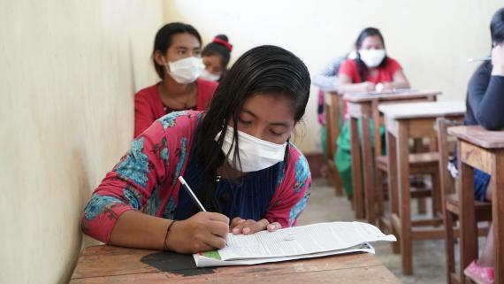 Unicef insta a Perú al retorno de las escuelas antes de fin de año