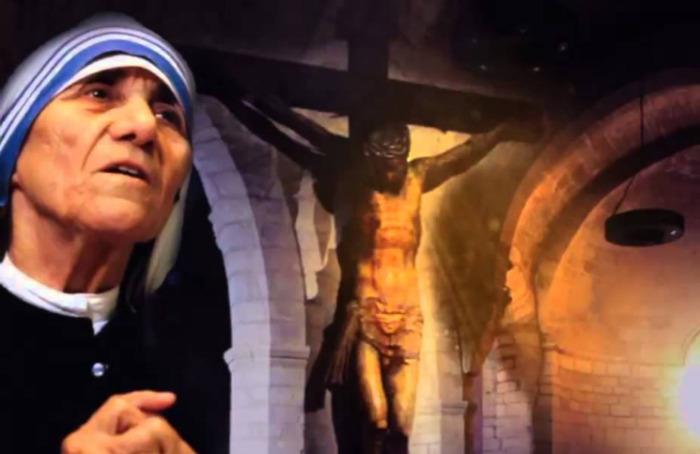 La conmovedora historia del milagro que convirtió en santa a la Madre Teresa
