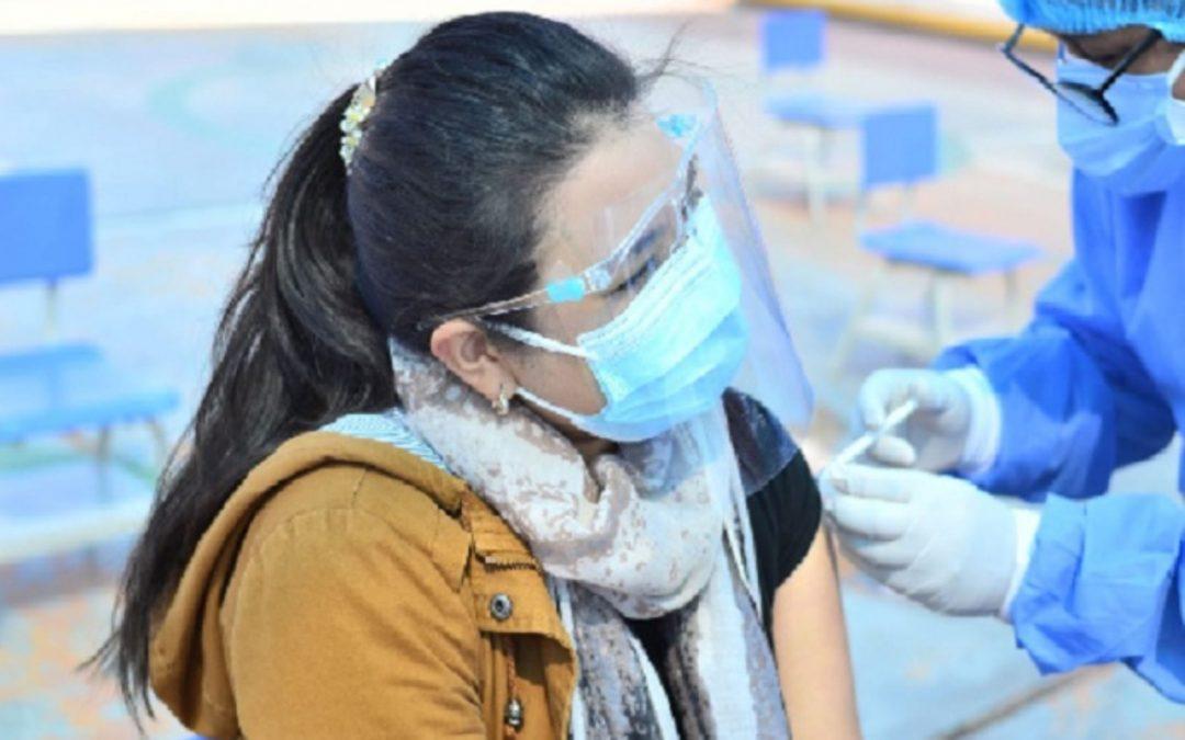 Vacunación para los de 30 años  a más seguirá esta semana