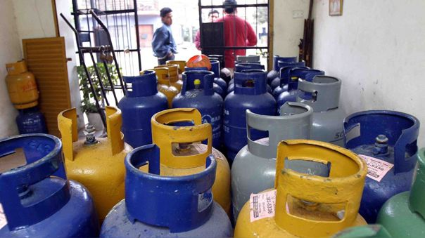 Gobierno ofrece reducir precio del balón de gas a 11 soles