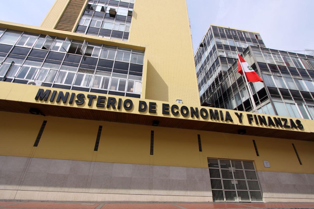 Déficit fiscal será menor al promedio latinoamericano y mundial, según Focus