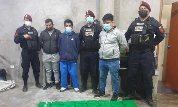 Capturan a banda que iba a trasladar 83 paquetes de droga